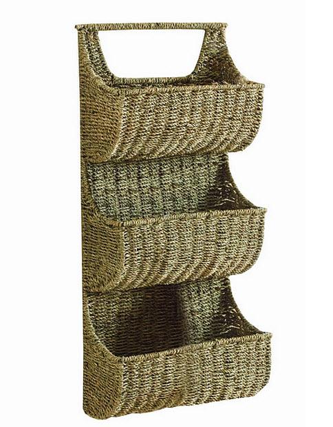 Wicker wall hanging baskets